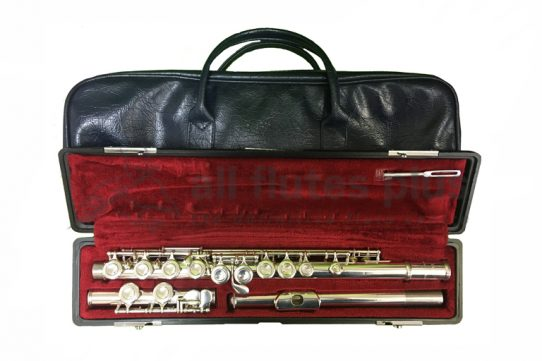 Yamaha 211S Secondhand Flute-c8985