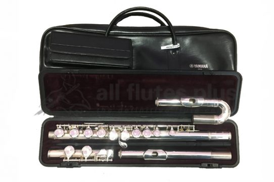 Yamaha YFL 211U Secondhand Flute with curved and straight headjoints-c8786