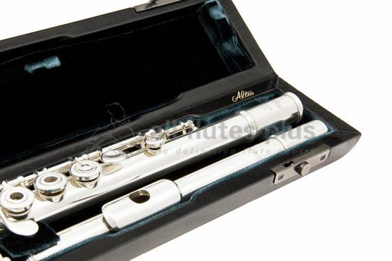 Altus AL1807 Handmade C Foot Flute Model Close Up
