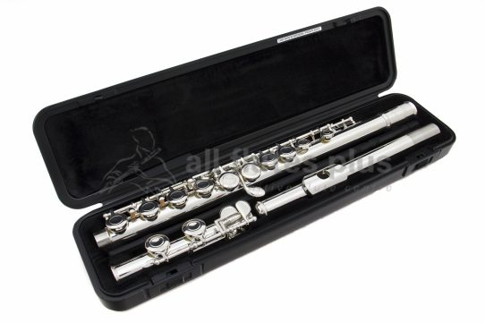 Yamaha YFL211 Flute with additional Silver Headjoint