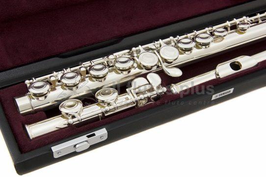 Yamaha YFL411 Flute