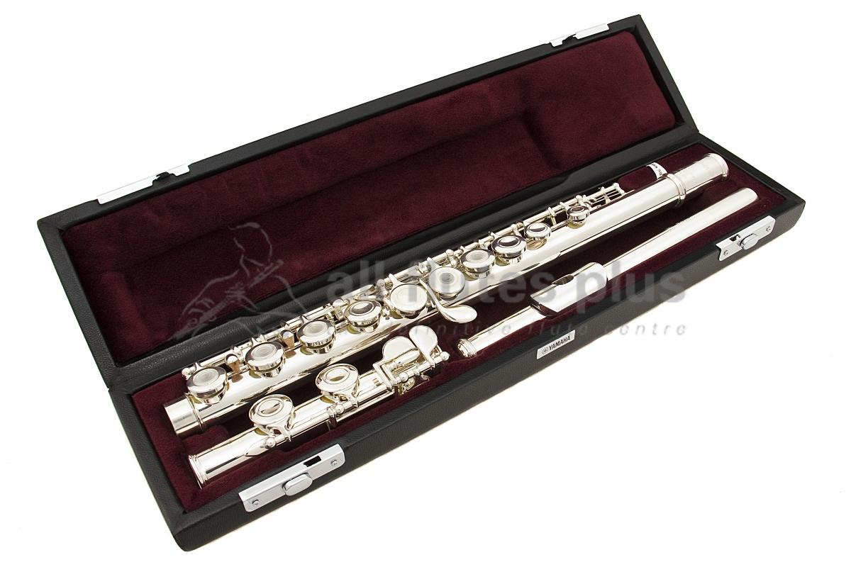 yamaha intermediate flute. yamaha yfl471 c foot flute model intermediate